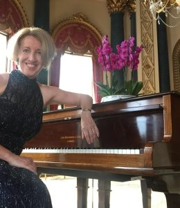 Sandra Lambert plays at Buckingham Palace